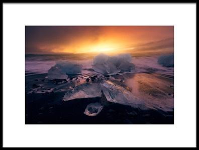 Art print titled Jokulsarlons Sunrise II by the artist Iván Ferrero