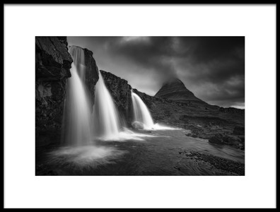 Art print titled Kirkjufellsfoss by the artist Ramón Menéndez Covelo